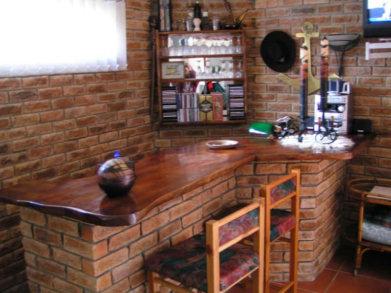 Bars and Counters Forest Creations : Black20Wood20Counter from forestcreations.co.za size 800 x 600 jpeg 138kB